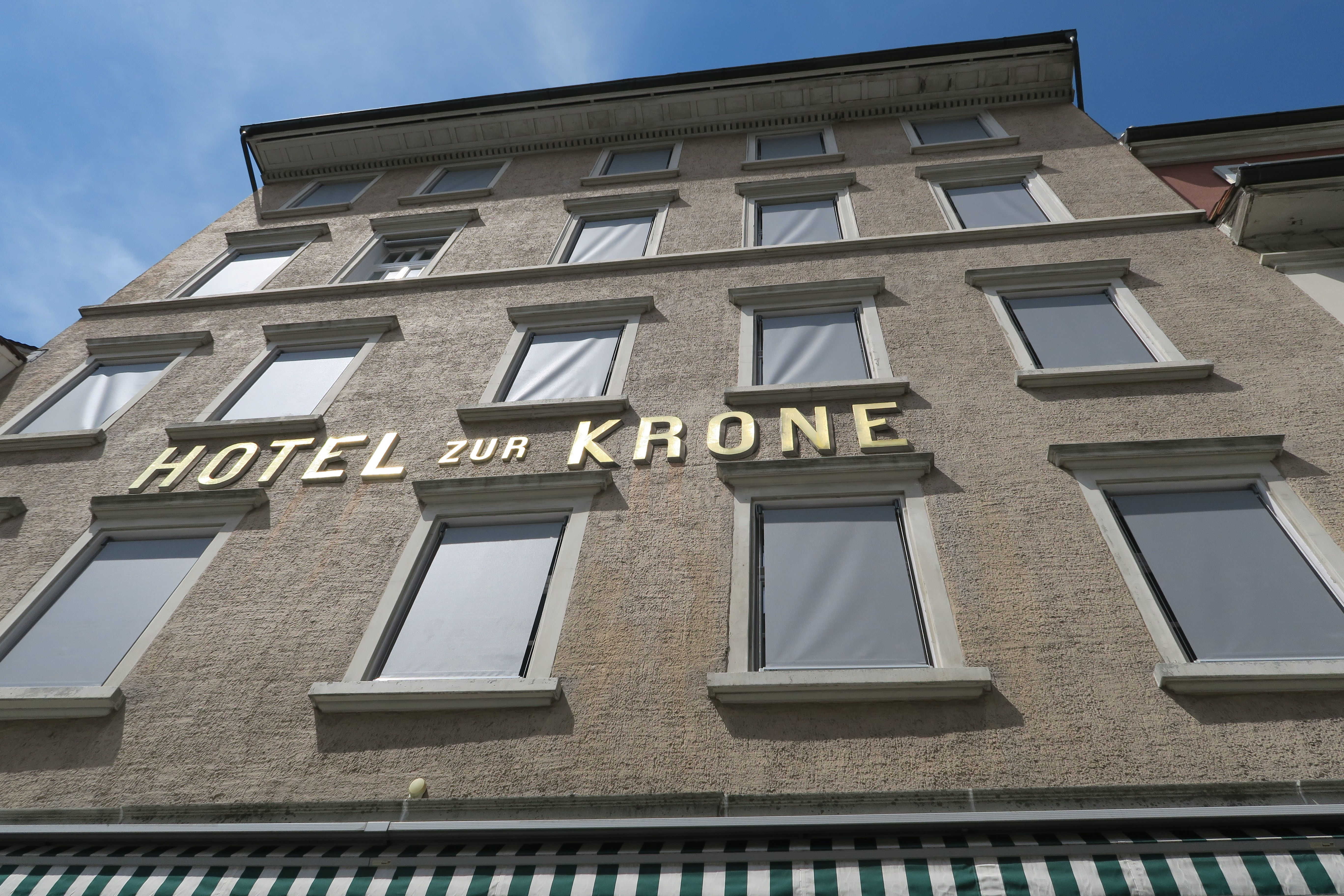 Finden sie hier unsere referenzprojekte von installationen for Sorell hotel krone
